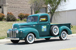Click to View Roy Brizio Street Rods Completed Cars - Bob Fish - St. Helena CA